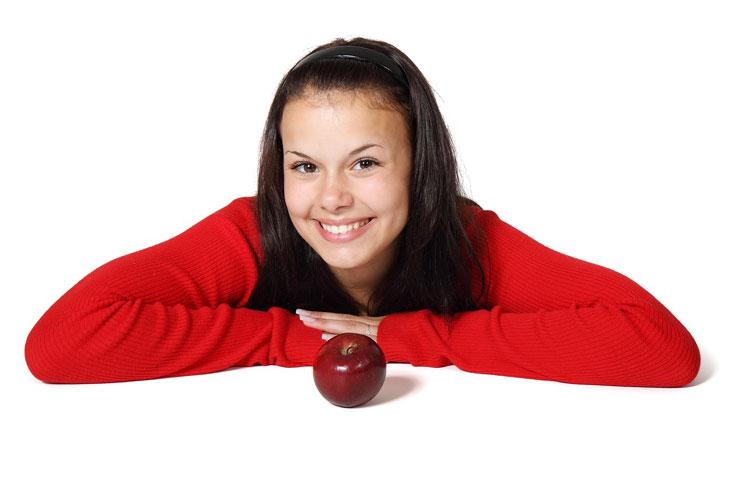 Le regole che ti aiutano a mangiare meno